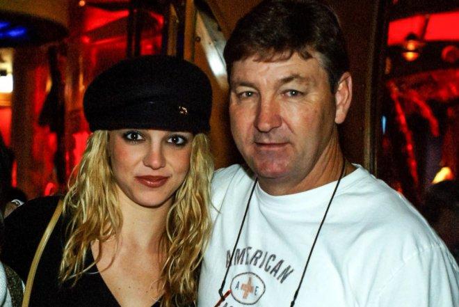 Отец Бритни Спирс подал прошение о прекращении опеки над дочерью