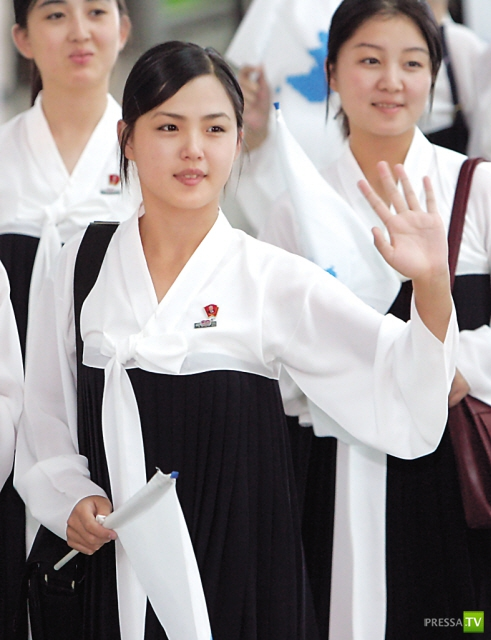 Картинки девушка с сумочкой