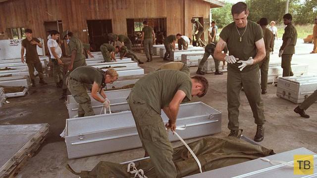 Самое массовое самоубийство ХХ века (11 фото)