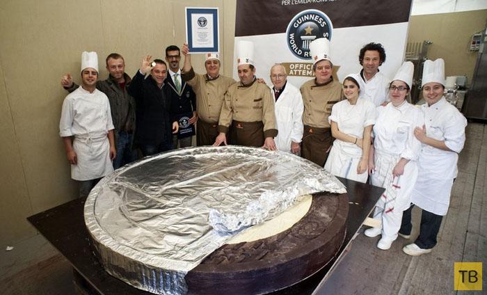 Топ 10: Самые большие порции блюд в мире, достойные Книги рекордов Гиннесса (10 фото)