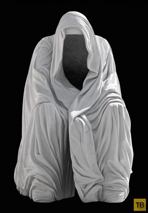 Топ 10: Самые страшные статуи в мире (23 фото)
