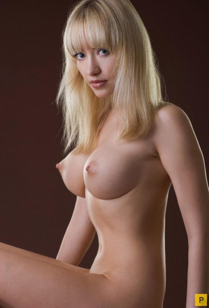 высокая стоячая грудь