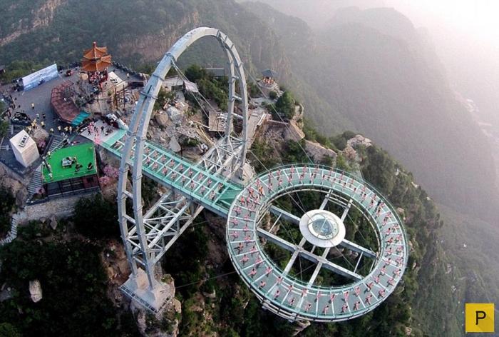 «Извивающийся дракон» - стеклянный мост над бездной в Китае (14 фото + видео)