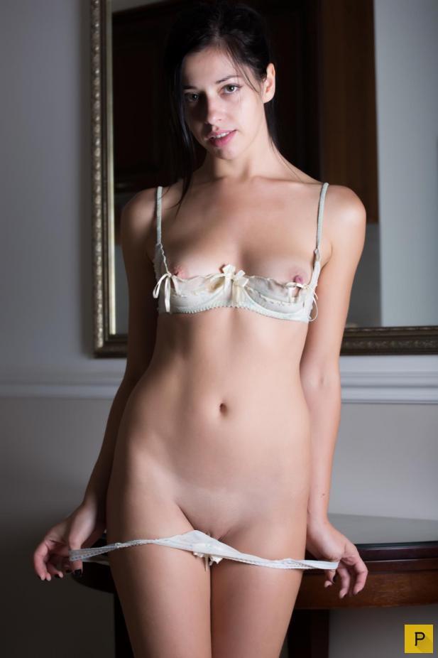 naked-white-girl-pussy-underwear-ahsoka-tan-hentai