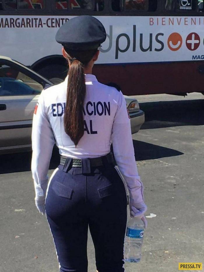 фото хороших попок в форме полиции наших