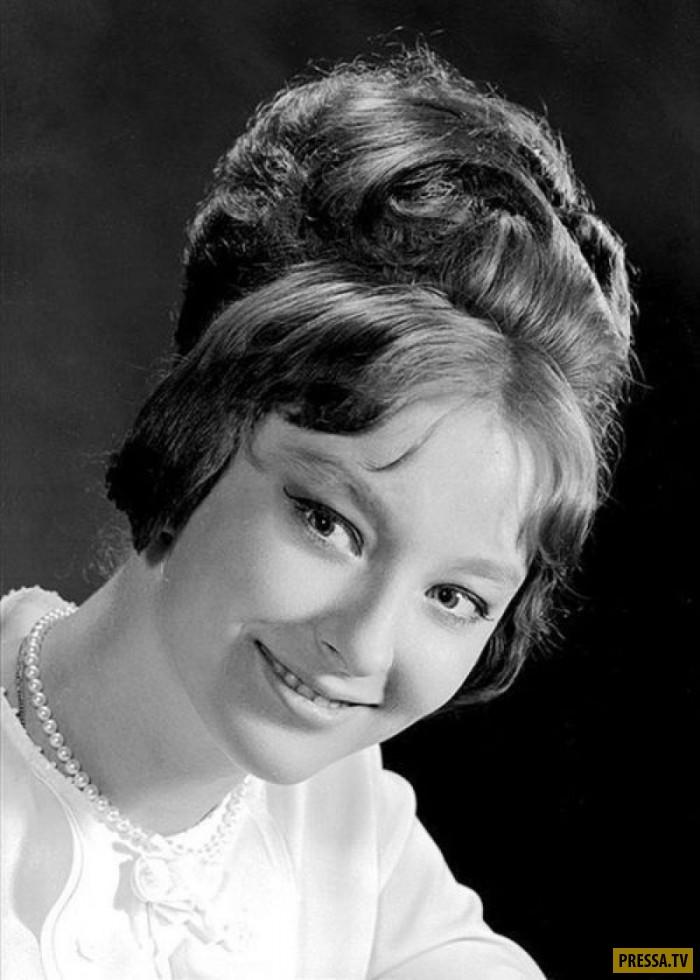 стало фото известных советских актрис змея