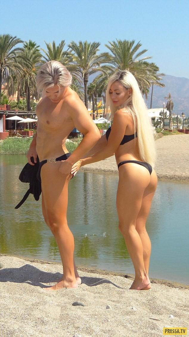 Девушки зажигают на пляже