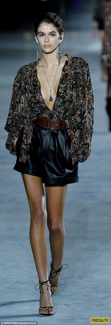 kaia gerber owns the runway in khaki boiler suit as she - 470×1345