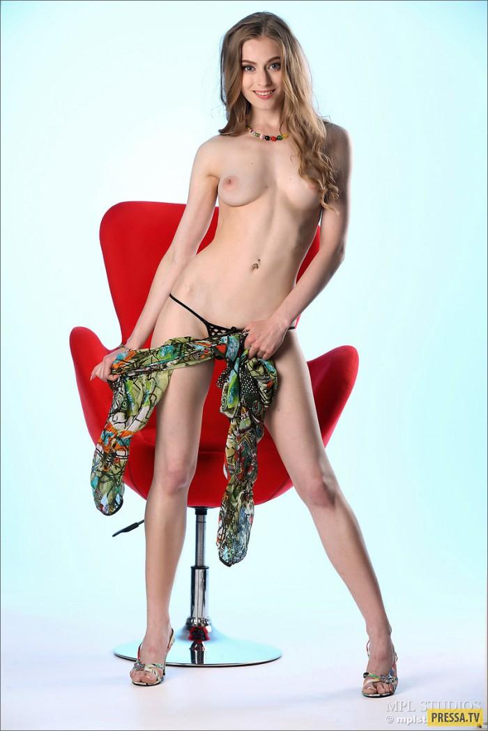 Rebecca Adrijana Model Celebsroulette 1