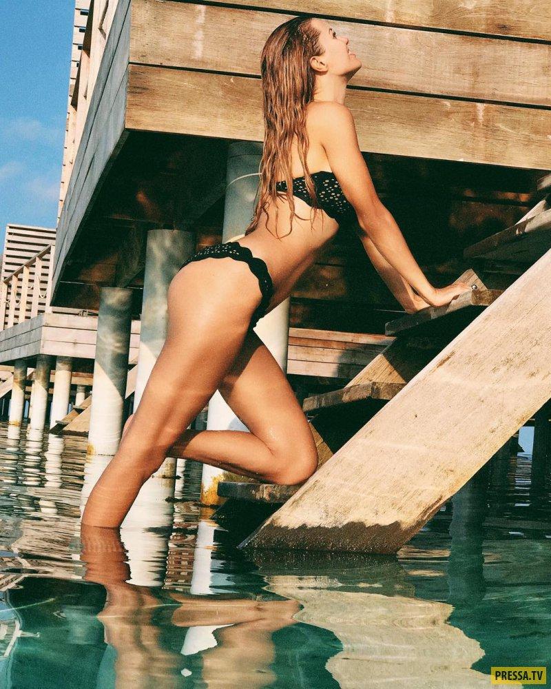 Виктория Боня позирует в бикини на отдыхе (8 фото)
