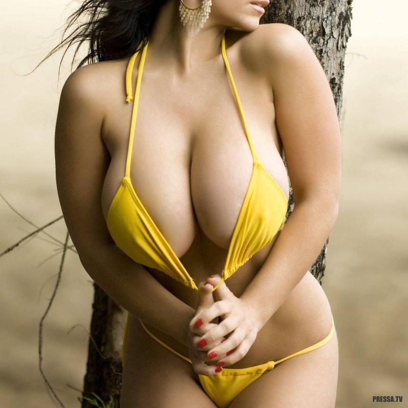 College girlfriend big boobs fucking video