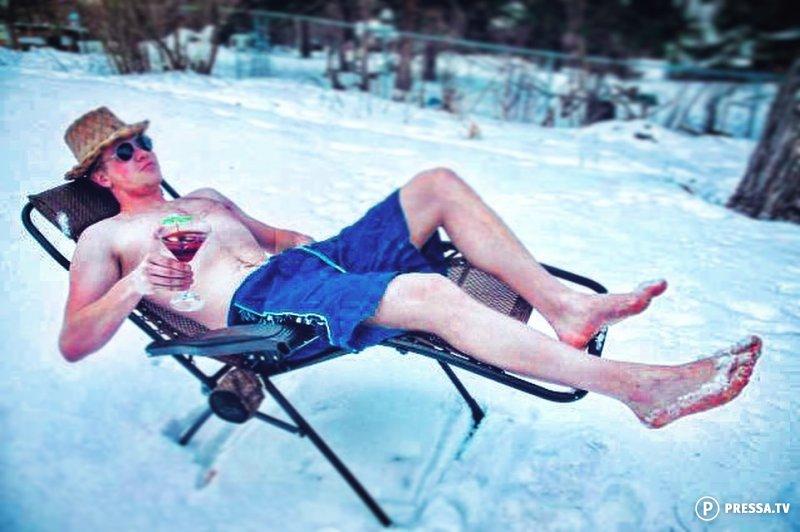 зимой в ластах прикол фото возможно, нужно только