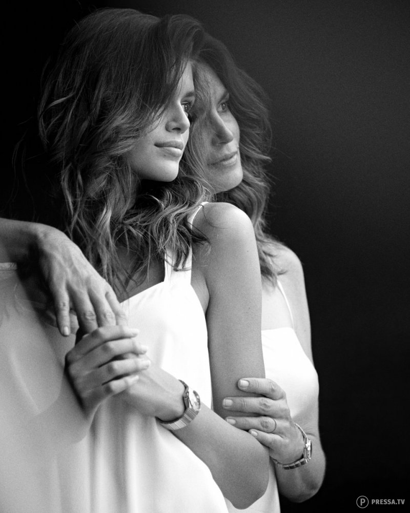 Синди Кроуфорд с дочерью в новой фотосессии
