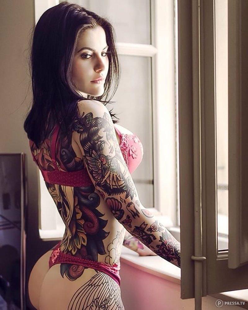 Картинки девчонки с татуировкой