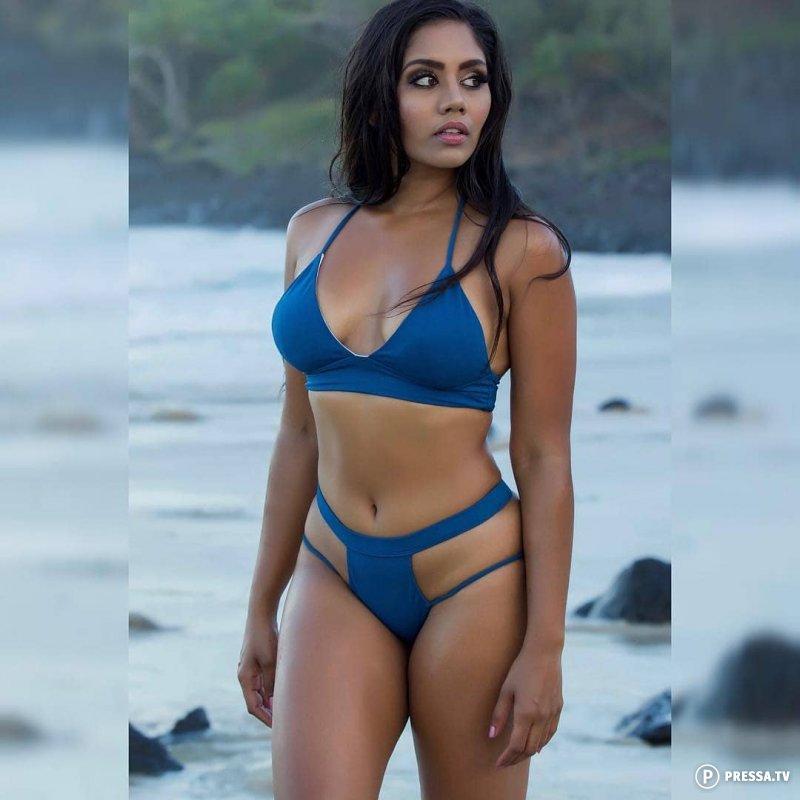 India girls in bikinis