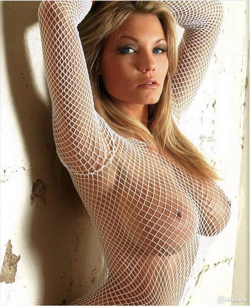 Tops tight nude