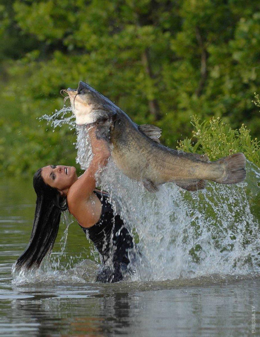 Девушки на рыбалке смешные фото