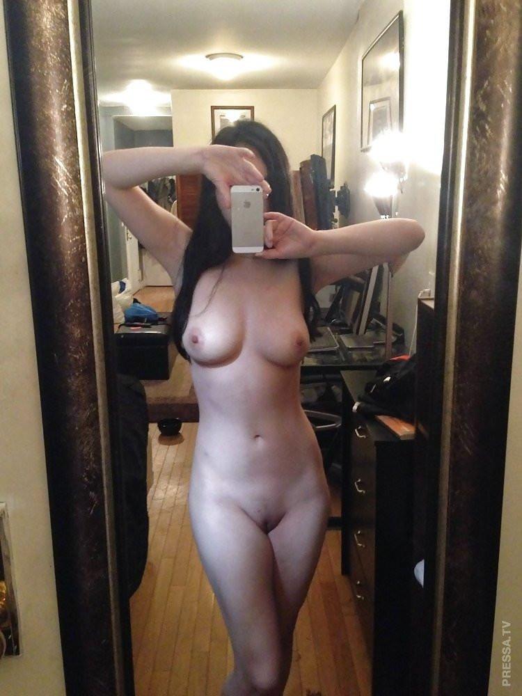 любительские фото голых девушек перед зеркалом такие