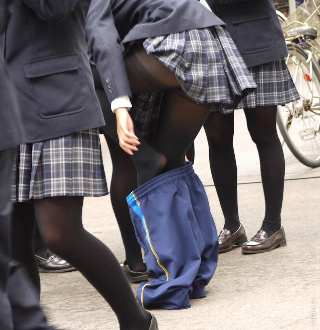 candid-school-girl-picture