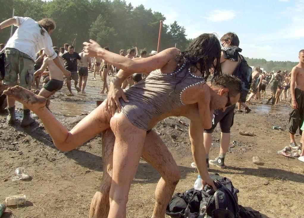 Nudist woodstock concert photos — photo 8