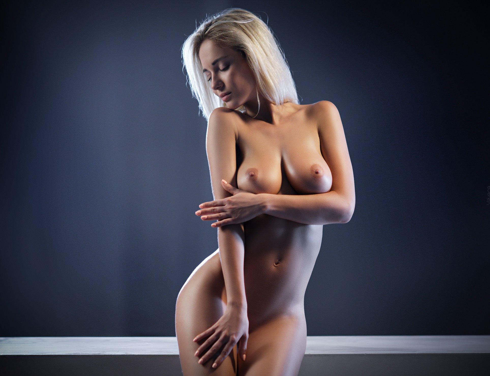 golie-i-krasivie-modeli-porno-odnu-vo-vse-diri