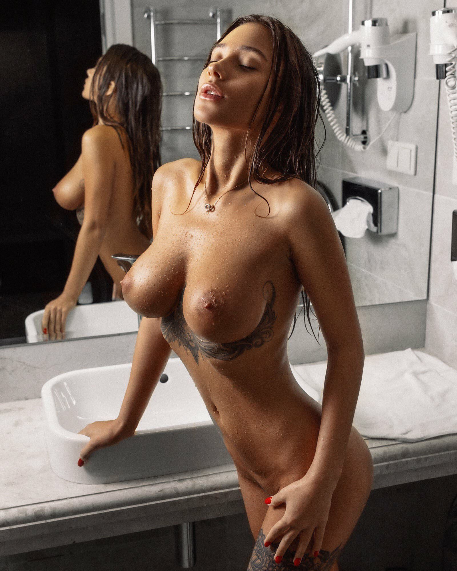 Kristina Shcherbinina nude: 22 photos