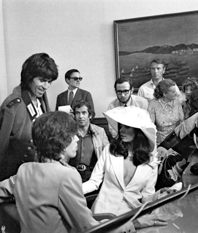 Мик Джаггер и Бьянка Перес-Мора Масиас в день их свадьбы в 1971 году