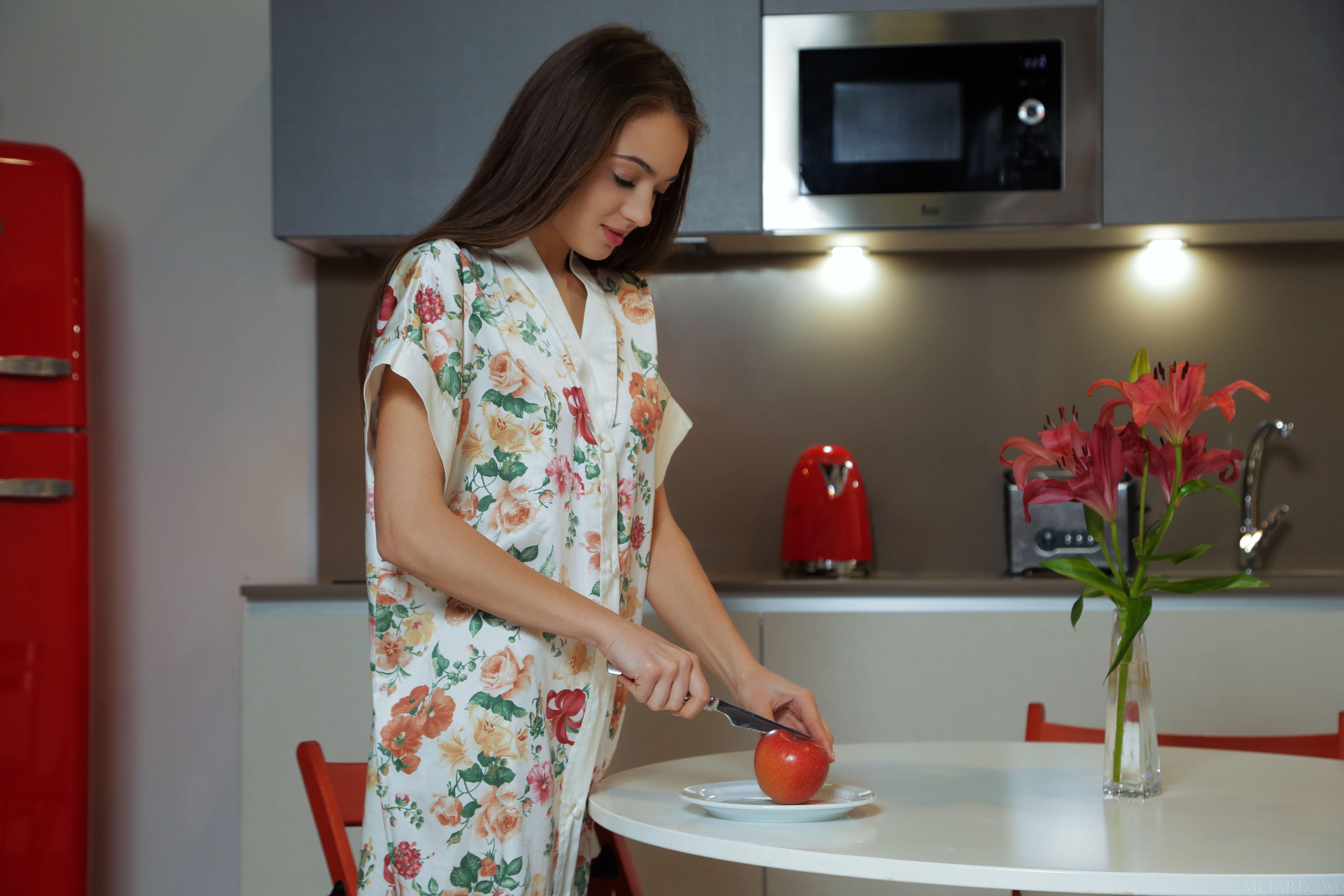 фото в халатике на кухне итальянское трапунто используется