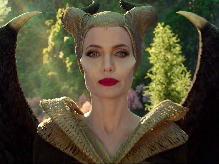 """Как выглядит актерский состав фильма """"Малефисента: Владычица тьмы"""" в реальной жизни"""