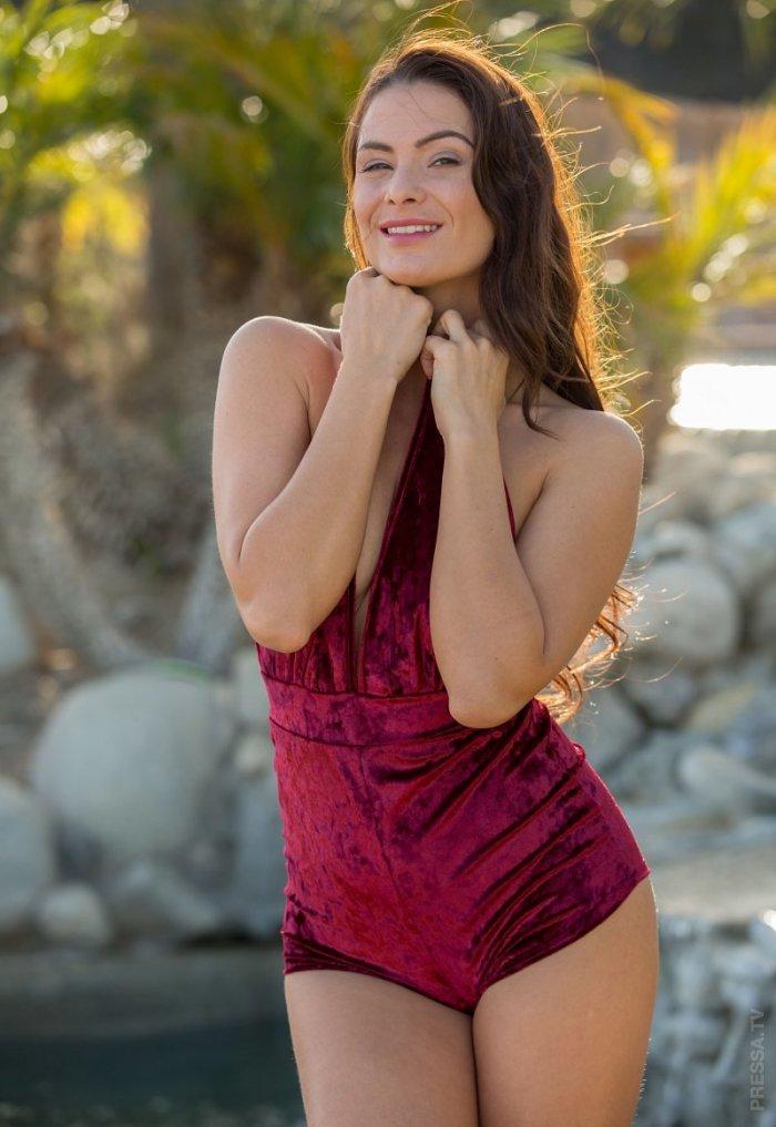 18+ Ирина Шейк